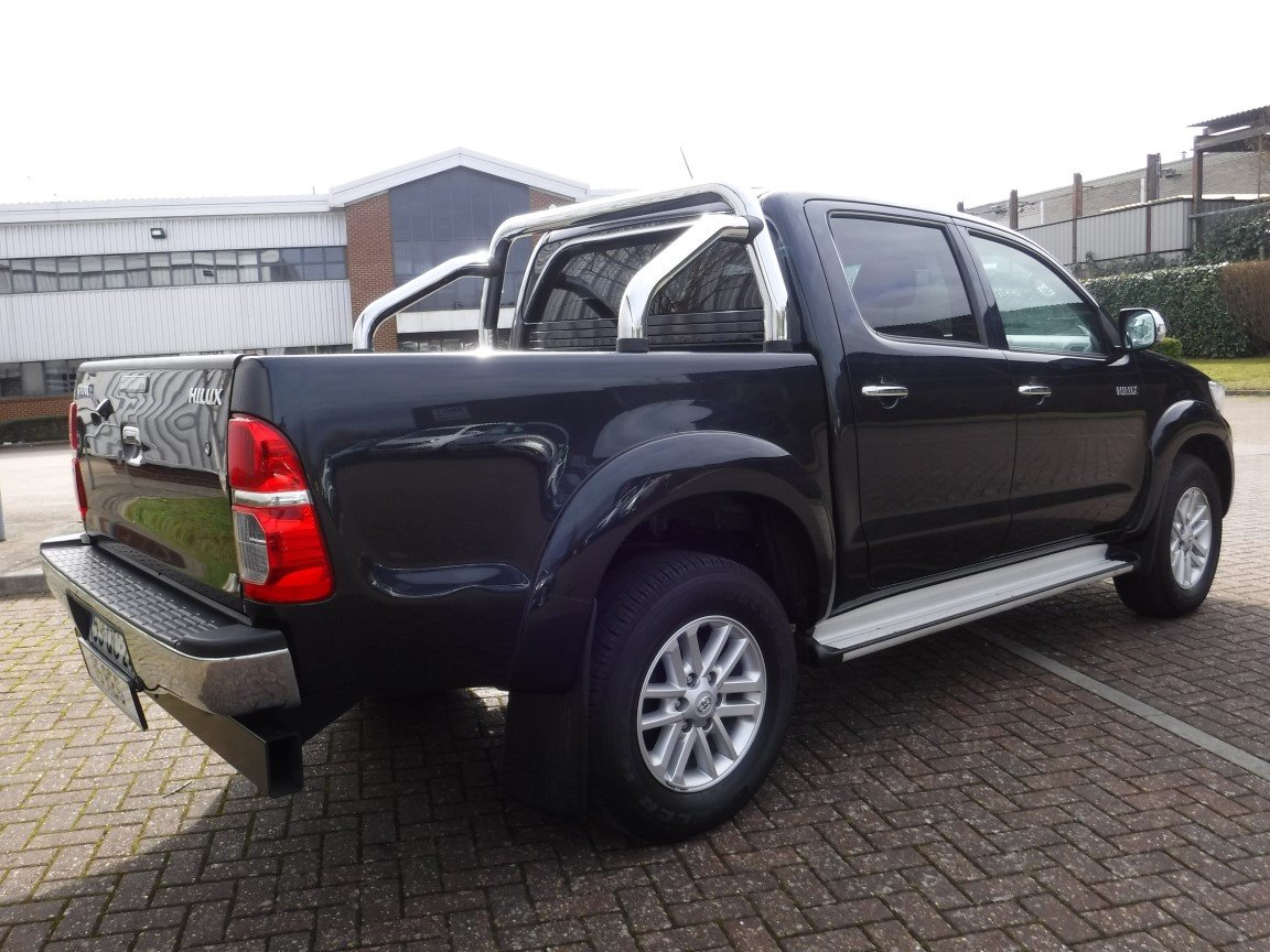 TOYOTA HILUX 3 0 D4D AUTOMATIC DOUBLE CAB (2015) for sale at